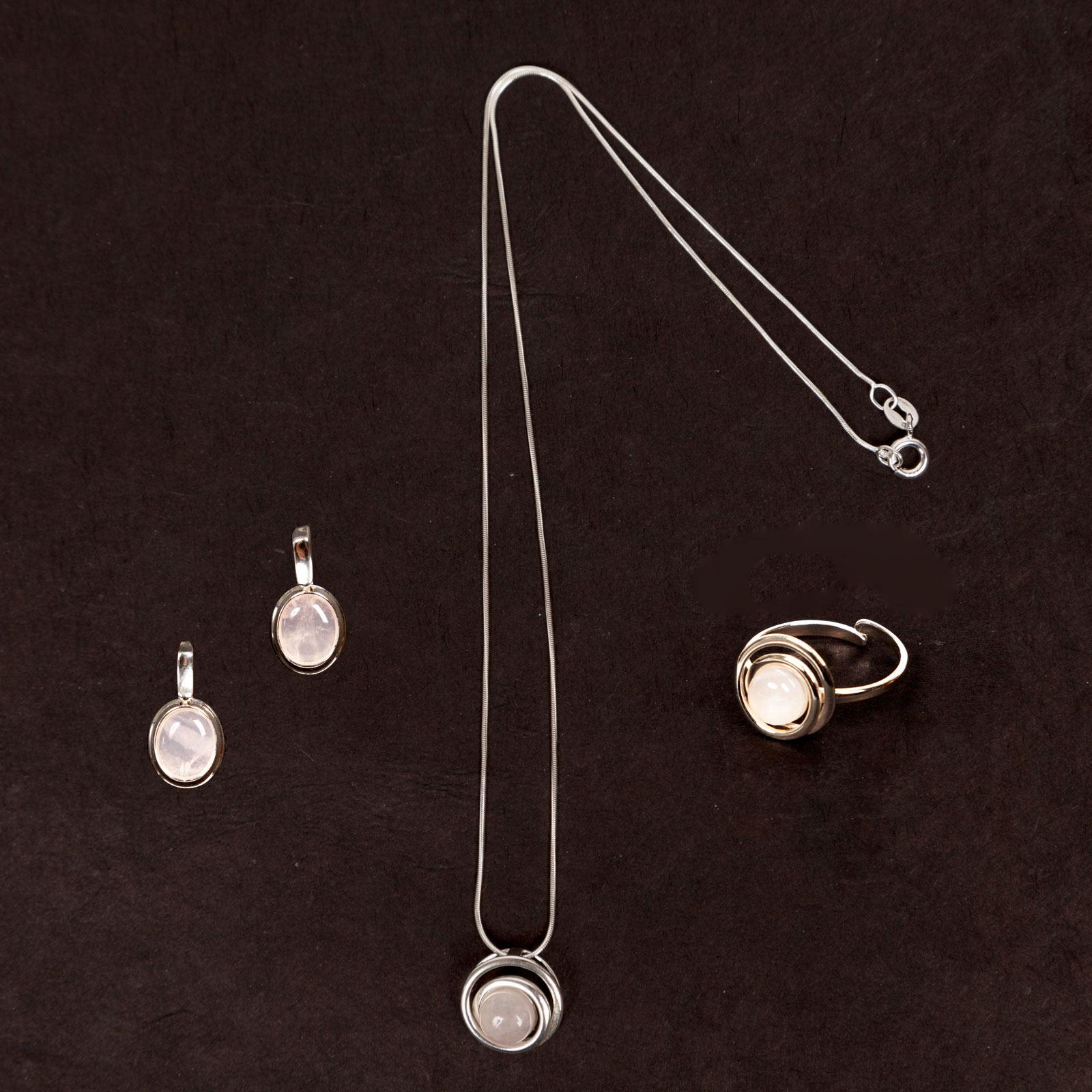 Collier en quartz rose et argent