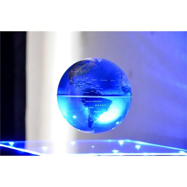 cosmic base globe en l vitation sur ba nature d couvertes. Black Bedroom Furniture Sets. Home Design Ideas