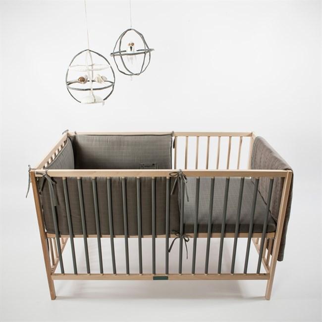 tour de lit volutif en coton biologique bleu p trole nature d couvertes. Black Bedroom Furniture Sets. Home Design Ideas